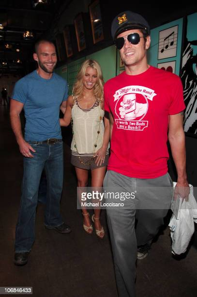 Seann William Scott Jessica Simpson and Johnny Knoxville