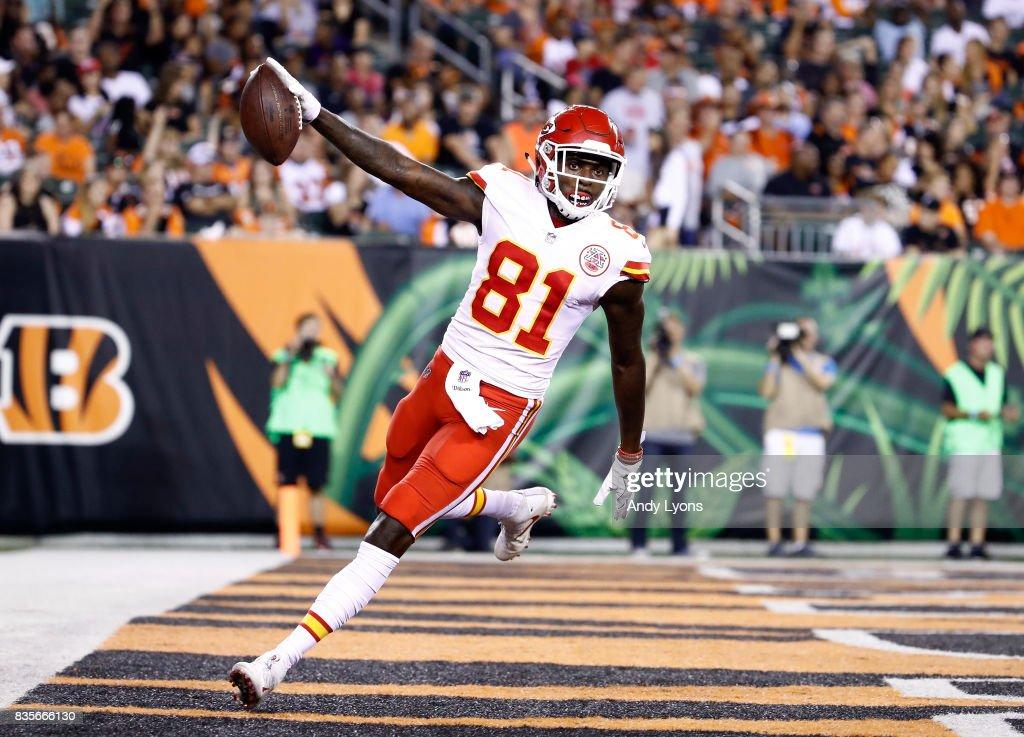 Seantavius Jones #81 of the Kansas City Chiefs runs for a touchdown against the Cincinnati Bengals during the preseason game at Paul Brown Stadium on August 19, 2017 in Cincinnati, Ohio.
