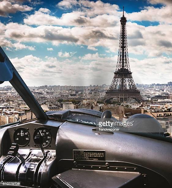 Wasserflugzeug Cockpit fliegt über Paris