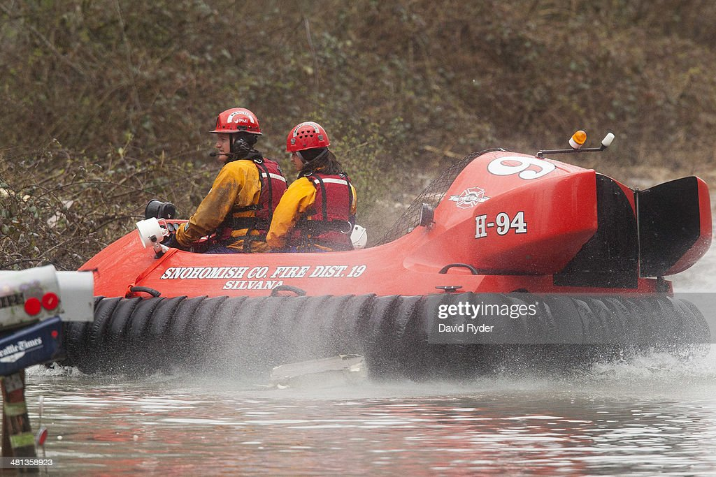 Search and rescue workers operate a hovercraft at the Oso mudslide site on March 29 2014 in Oso Washington A massive mudslide on March 22 in Oso...