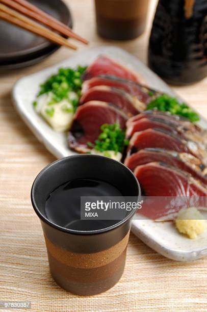 Seared bonito sashimi and shochu