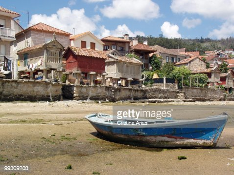 Seaside homes and typical warehouses (horreos) in the historic and artistic village of Combarro, Ria de Pontevedra.