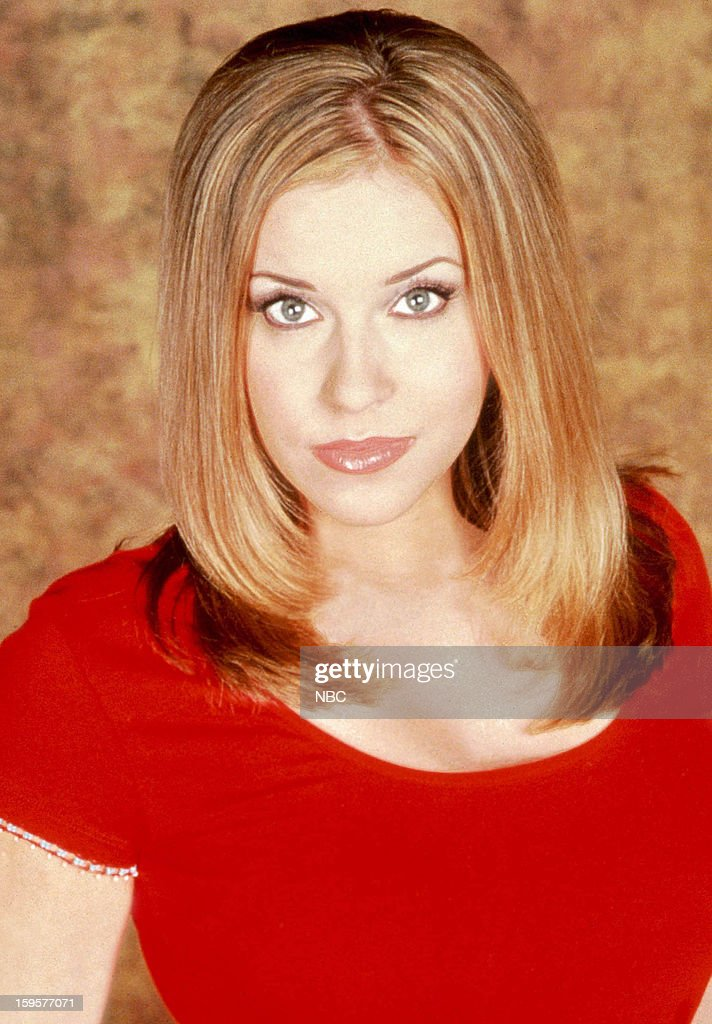 <a gi-track='captionPersonalityLinkClicked' href=/galleries/search?phrase=Farah+Fath&family=editorial&specificpeople=239013 ng-click='$event.stopPropagation()'>Farah Fath</a> as Mimi Lockhart --