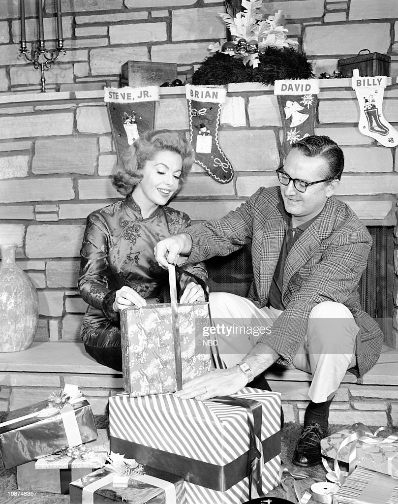<a gi-track='captionPersonalityLinkClicked' href=/galleries/search?phrase=Jayne+Meadows&family=editorial&specificpeople=93583 ng-click='$event.stopPropagation()'>Jayne Meadows</a>, Steve Allen in 1959 --
