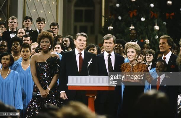 WASHINGTON '1985' Season 5 Pictured Natalie Cole President Ronald Reagan NBC News' Tom Brokaw First Lady Nancy Reagan student singer Pat Boone Photo...