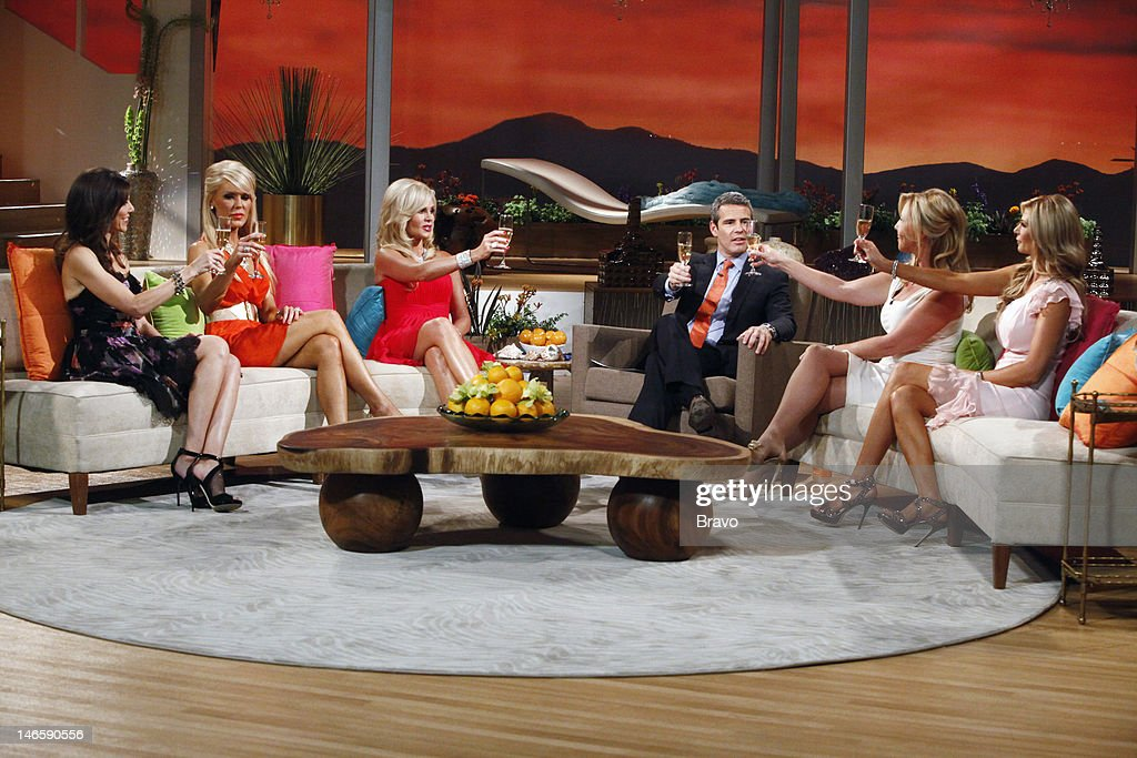 COUNTY -- 'Season 7 Reunion' -- Pictured: (l-r) Heather Dubrow, <a gi-track='captionPersonalityLinkClicked' href=/galleries/search?phrase=Gretchen+Rossi&family=editorial&specificpeople=5637804 ng-click='$event.stopPropagation()'>Gretchen Rossi</a>, Tamra Barney, host Andy Cohen, Vicki Gunvalson, <a gi-track='captionPersonalityLinkClicked' href=/galleries/search?phrase=Alexis+Bellino&family=editorial&specificpeople=6544408 ng-click='$event.stopPropagation()'>Alexis Bellino</a> --
