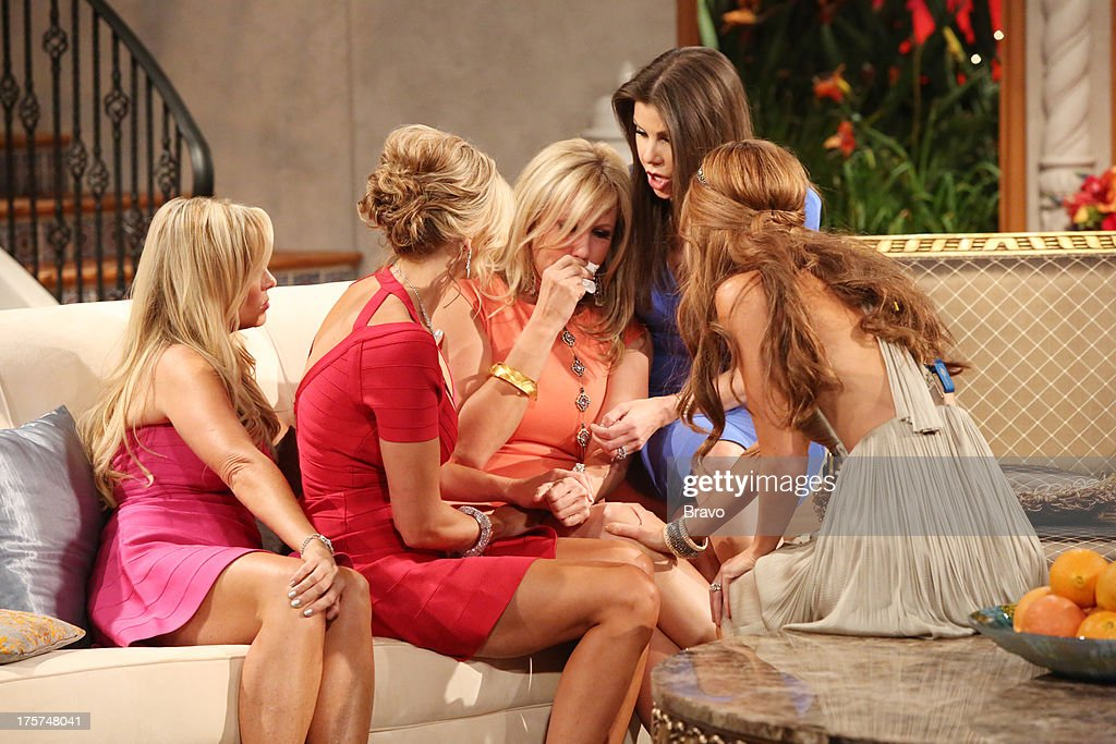 COUNTY --'Season 8 Reunion Special' -- Pictured: (l-r) Tamra Barney, <a gi-track='captionPersonalityLinkClicked' href=/galleries/search?phrase=Alexis+Bellino&family=editorial&specificpeople=6544408 ng-click='$event.stopPropagation()'>Alexis Bellino</a>, Vicki Gunvalson, Heather Dubrow, Lydia McLaughlin --