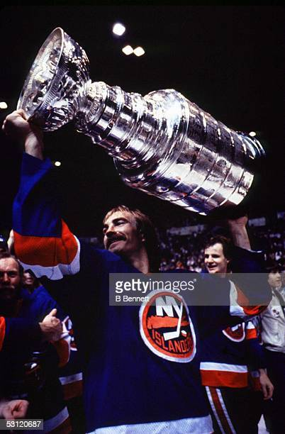 Bobby Nystrom hoists the 1982 Stanley Cup