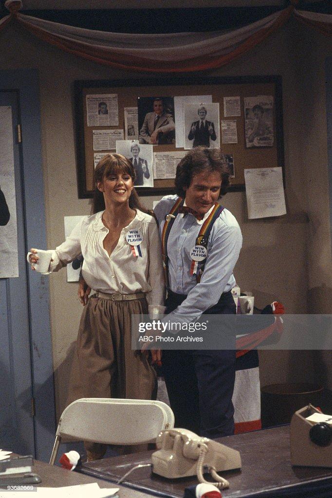 MINDY Season Two 'Mork vs Mindy' 7/9/79 Pam Dawber Robin Williams