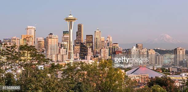 Seattle cityscape with Mt. Rainier