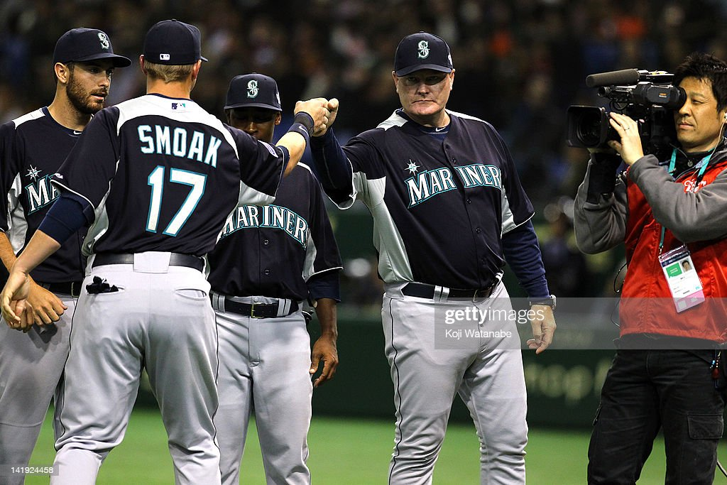 Seattle Mariners Head Coach Eric Wedge line up during the pre season game between Yomiuri Giants and Seattle Mariners at Tokyo Dome on March 26, 2012 in Tokyo, Japan.