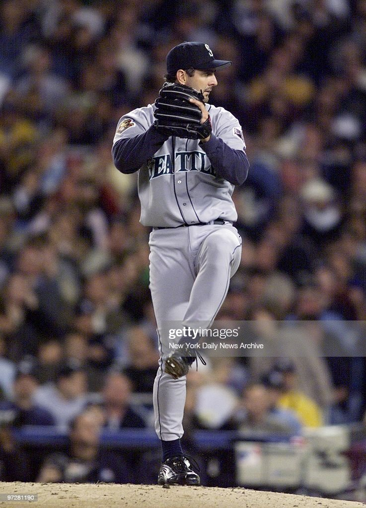 Seattle Mariners' starter Paul Abbott is on the mound against the New York Yankees in the second inning of Game 4 of the American League Championship...