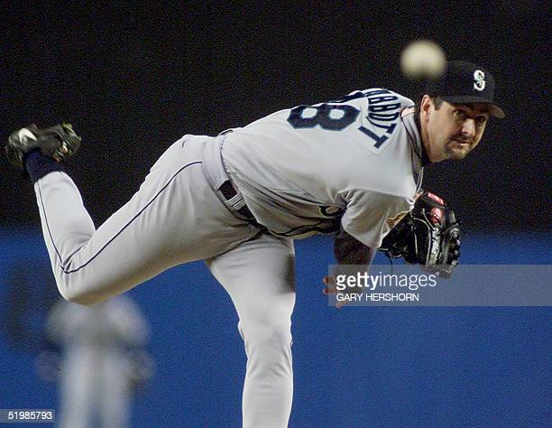 Seattle Mariners starting pitcher Paul Abbott throws a pitch to the New York Yankees during the American League Championship Series game four 21...