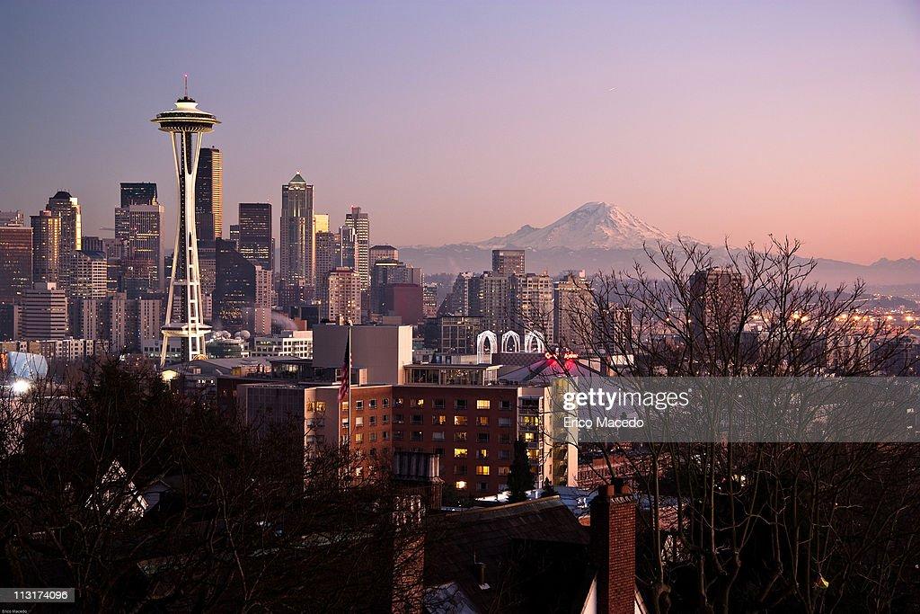 Seattle skyline at sunset : Stock Photo