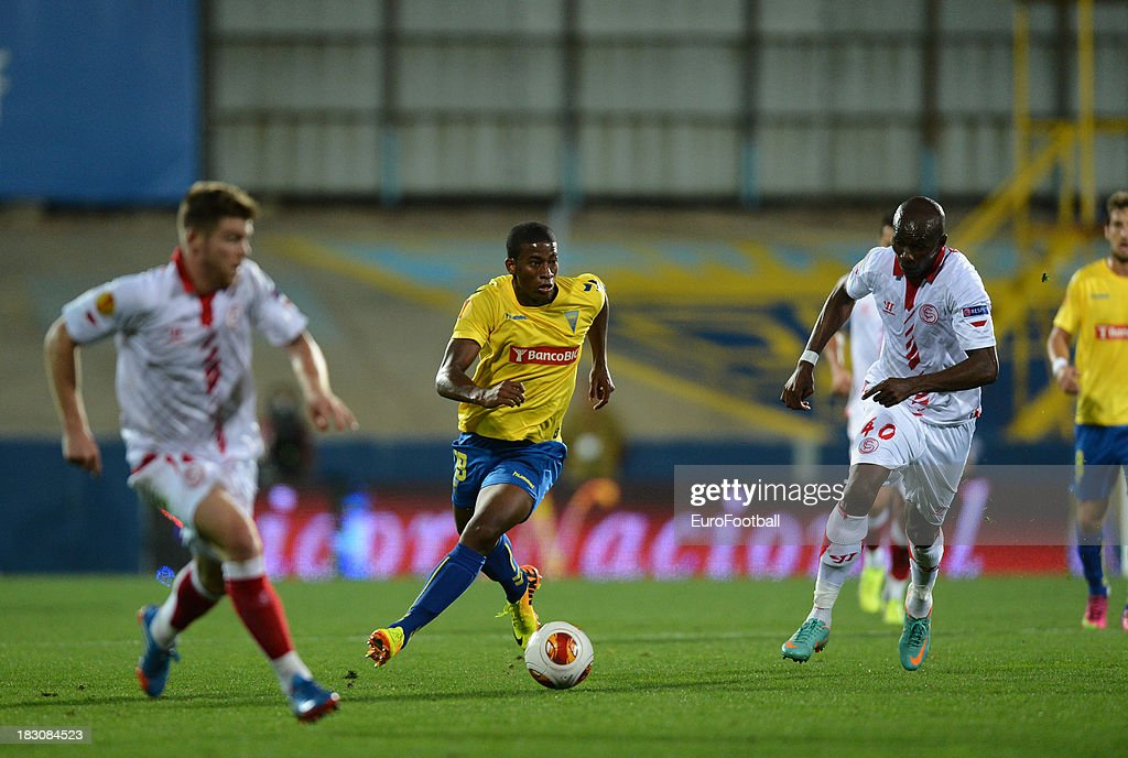 Seba of Estoril Praia in action during the UEFA Europa League group stage match between Estoril Praia and Sevilla FC held on September 19, 2013 at the Antonio Coimbra Da Mota Stadium, in Estoril, Portugal.