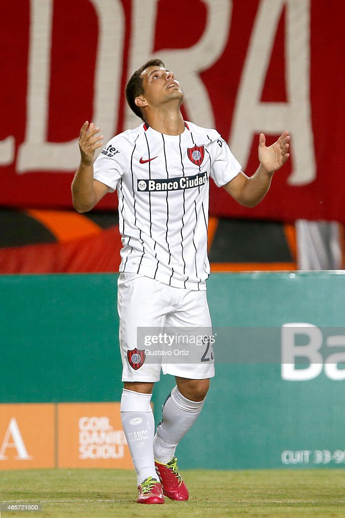 Sebastian Blanco of San Lorenzo celebrates after scoring the first goal of his team during a match between Estudiantes and San Lorenzo as part of fourth round of Torneo Primera Division 2015 at Ciudad de La Plata Stadium on March 09, 2015 in La Plata, Argentina.