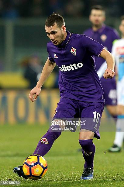 Sebastian Cristoforo of ACF Fiorentina in action during the Serie A match between ACF Fiorentina and SSC Napoli at Stadio Artemio Franchi on December...