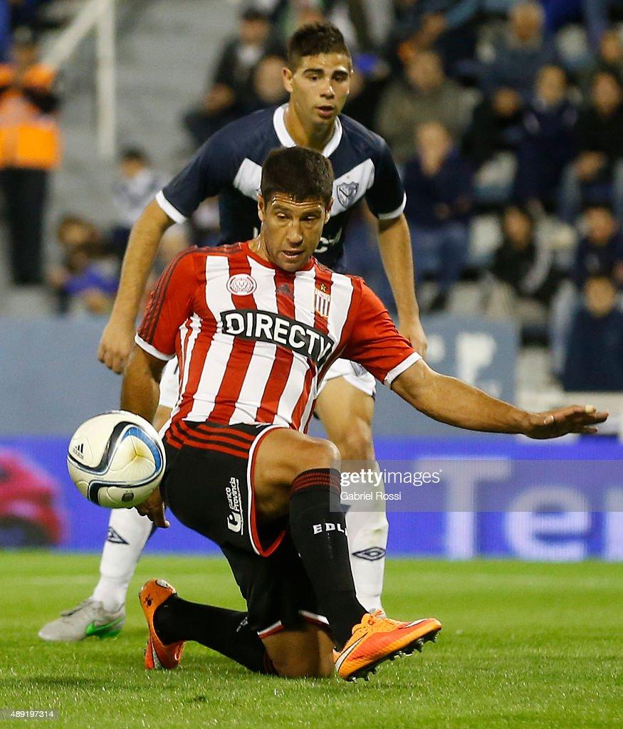 Velez Sarsfield v Estudiantes - Torneo Primera Division 2015