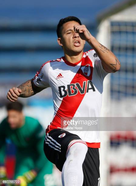 Sebastian Driussi of River Plate celebrates after scoring the first goal of his team during a match between San Lorenzo and River Plate as part of...