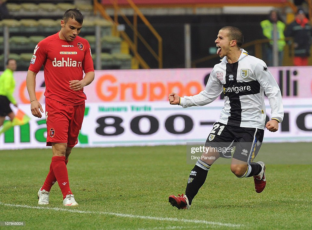 <a gi-track='captionPersonalityLinkClicked' href=/galleries/search?phrase=Sebastian+Giovinco&family=editorial&specificpeople=4284715 ng-click='$event.stopPropagation()'>Sebastian Giovinco</a> of Parma (R) celebrates after scoring his team's goal during the Serie A match between Parma FC and Cagliari Calcio at Stadio Ennio Tardini on January 9, 2011 in Parma, Italy.