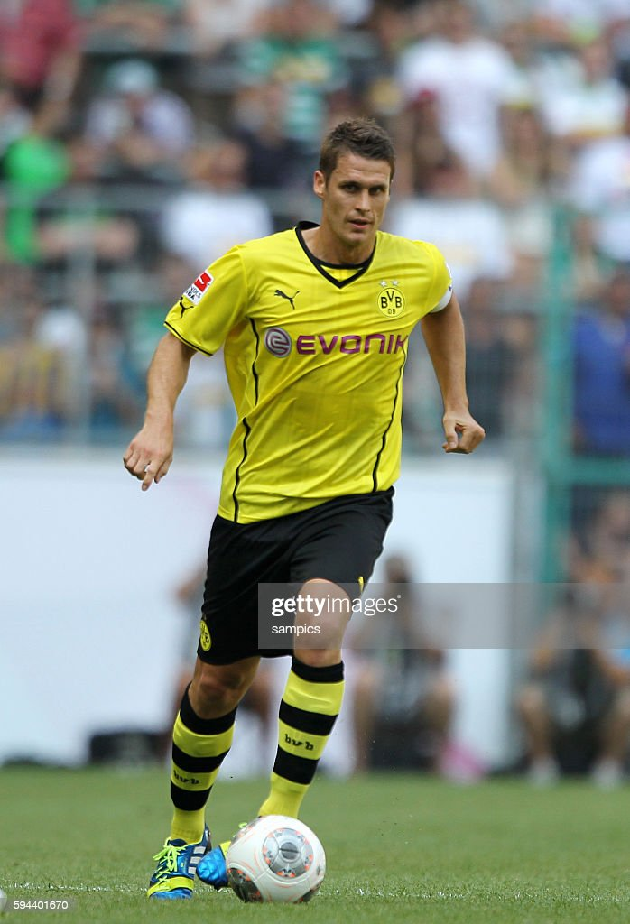 Sebastian Kehl Borussia Dortmund Fussball Bundesliga Saison 2013 / 2014 Borussia Dortmund BVB Hamburger SV Telekom Cup 2013 in Mönchengladbach