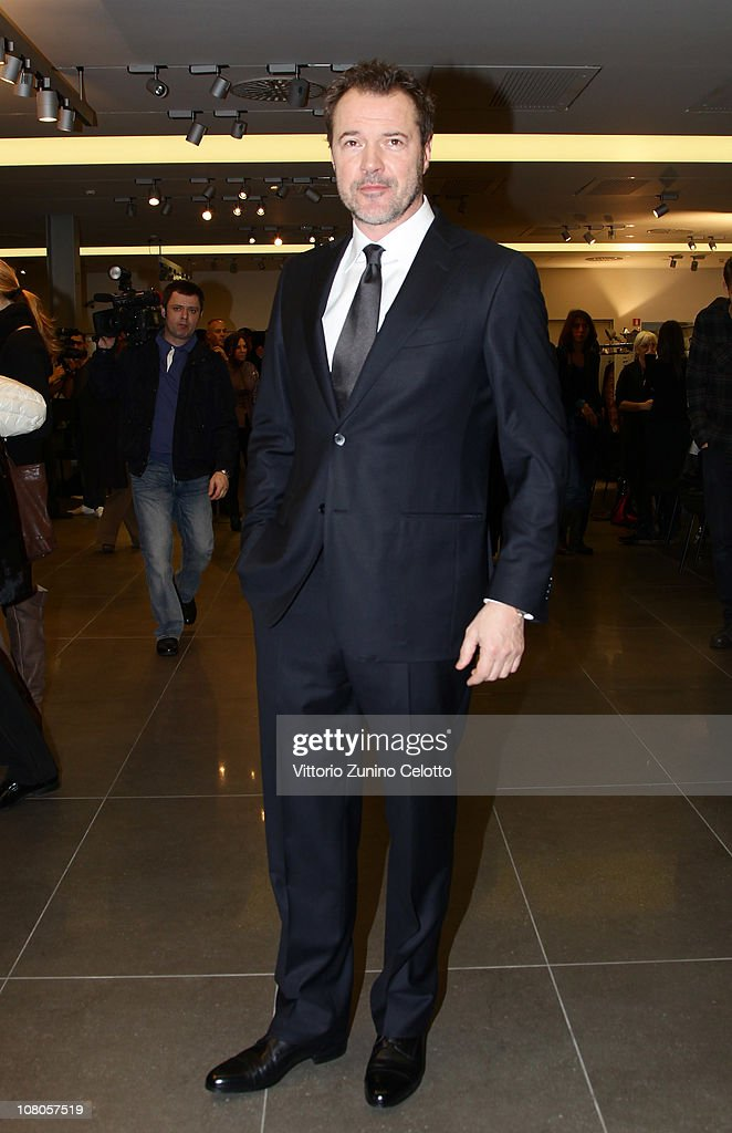 <a gi-track='captionPersonalityLinkClicked' href=/galleries/search?phrase=Sebastian+Koch&family=editorial&specificpeople=636122 ng-click='$event.stopPropagation()'>Sebastian Koch</a> attends the Ermenegildo Zegna Milan Fashion Week Menswear A/W 2011 show on January 15, 2011 in Milan, Italy.