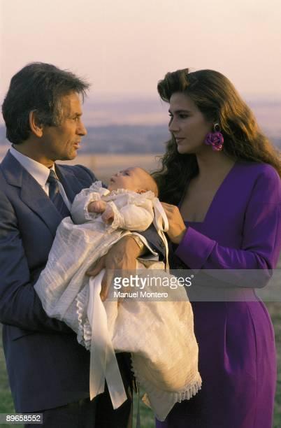 Sebastian Palomo Linares and Marina Danko with their son