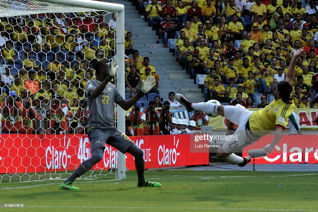 Sebastian Perez of Colombia shoots the ball to score the second goal of his team during a match between Colombia and Ecuador as part of FIFA 2018 World Cup Qualifiers at Roberto Melendez Stadium on March 29, 2016 in Barranquilla, Colombia.