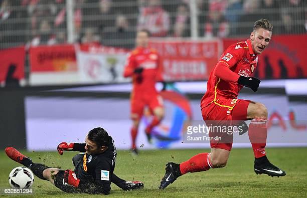 Sebastian Polter of Berlin scores his goal during the Second Bundesliga match between 1 FC Union Berlin and VfL Bochum 1848 at Stadion An der Alten...