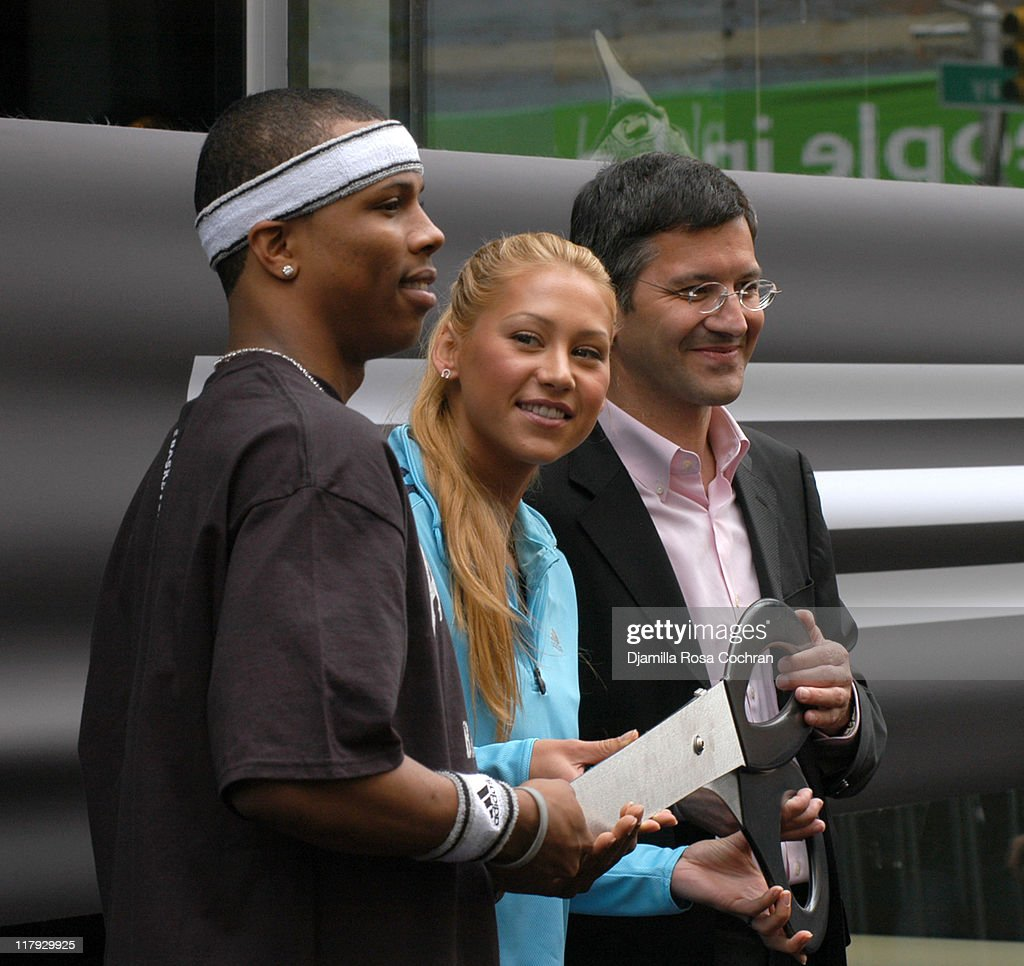 <a gi-track='captionPersonalityLinkClicked' href=/galleries/search?phrase=Sebastian+Telfair&family=editorial&specificpeople=202087 ng-click='$event.stopPropagation()'>Sebastian Telfair</a>, <a gi-track='captionPersonalityLinkClicked' href=/galleries/search?phrase=Anna+Kournikova&family=editorial&specificpeople=176472 ng-click='$event.stopPropagation()'>Anna Kournikova</a> and <a gi-track='captionPersonalityLinkClicked' href=/galleries/search?phrase=Herbert+Hainer&family=editorial&specificpeople=543915 ng-click='$event.stopPropagation()'>Herbert Hainer</a>