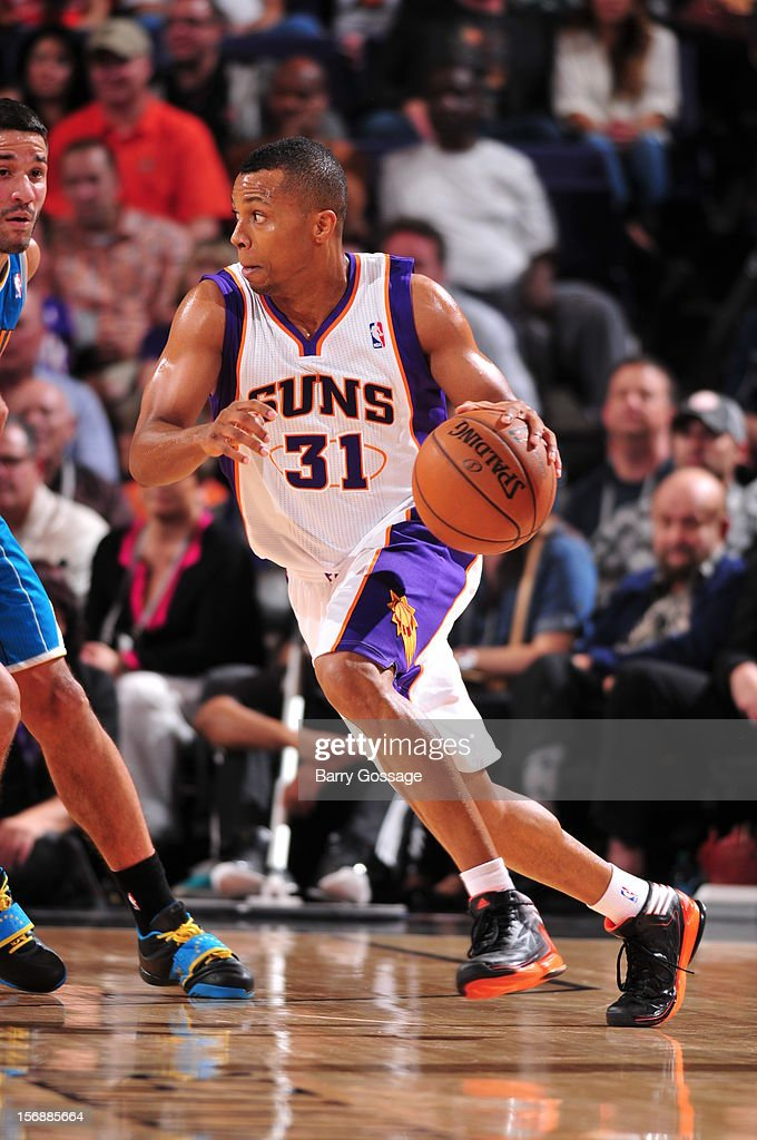 <a gi-track='captionPersonalityLinkClicked' href=/galleries/search?phrase=Sebastian+Telfair&family=editorial&specificpeople=202087 ng-click='$event.stopPropagation()'>Sebastian Telfair</a> #31 of the Phoenix Suns drives against the New Orleans Hornets on November 23, 2012 at U.S. Airways Center in Phoenix, Arizona.