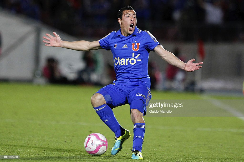 Sebastian Ubilla reacts during a match between O'Higgins and U de Chile as part of the Torneo Apertura at National Stadium, on October 05, 2013 in Santiago, Chile.