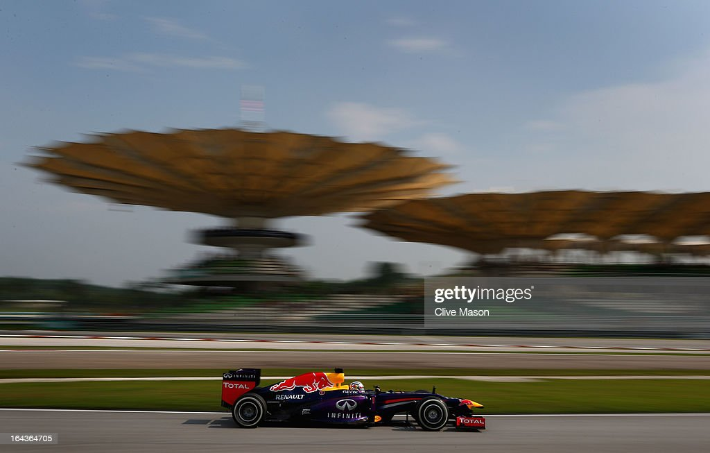 <a gi-track='captionPersonalityLinkClicked' href=/galleries/search?phrase=Sebastian+Vettel&family=editorial&specificpeople=2233605 ng-click='$event.stopPropagation()'>Sebastian Vettel</a> of Germany and Infiniti Red Bull Racing drives on his way finishing first during qualifying for the Malaysian Formula One Grand Prix at the Sepang Circuit on March 23, 2013 in Kuala Lumpur, Malaysia.