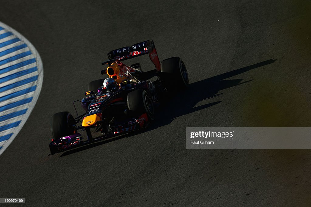 Sebastian Vettel of Germany and Infiniti Red Bull Racing drives during Formula One winter testing at Circuito de Jerez on February 8, 2013 in Jerez de la Frontera, Spain.
