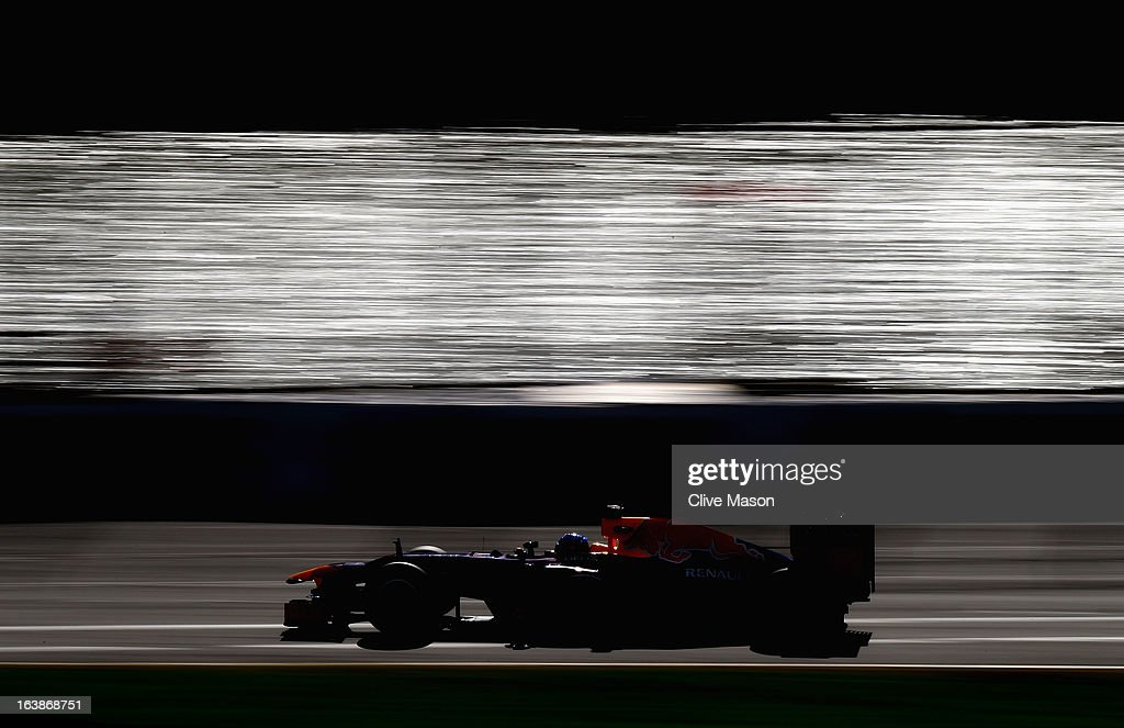 Sebastian Vettel of Germany and Infiniti Red Bull Racing drives during the Australian Formula One Grand Prix at the Albert Park Circuit on March 17, 2013 in Melbourne, Australia.