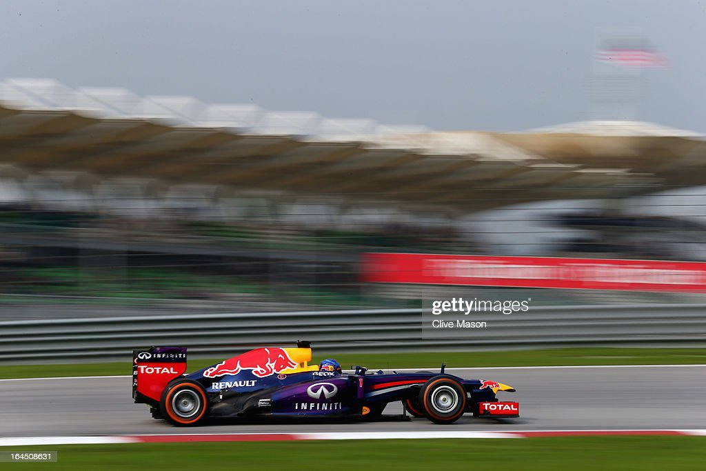 Sebastian Vettel of Germany and Infiniti Red Bull Racing drives during the Malaysian Formula One Grand Prix at the Sepang Circuit on March 24, 2013 in Kuala Lumpur, Malaysia.