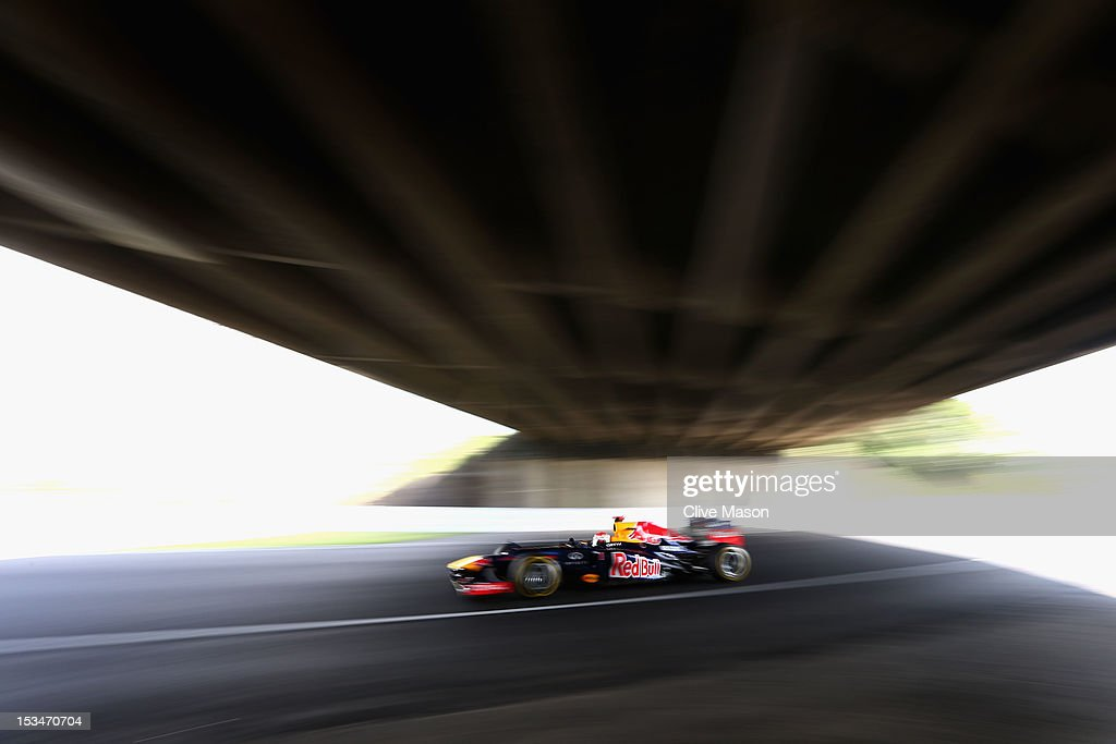 <a gi-track='captionPersonalityLinkClicked' href=/galleries/search?phrase=Sebastian+Vettel&family=editorial&specificpeople=2233605 ng-click='$event.stopPropagation()'>Sebastian Vettel</a> of Germany and Red Bull Racing drives during final practice prior to qualifying for the Japanese Formula One Grand Prix at the Suzuka Circuit on October 6, 2012 in Suzuka, Japan.