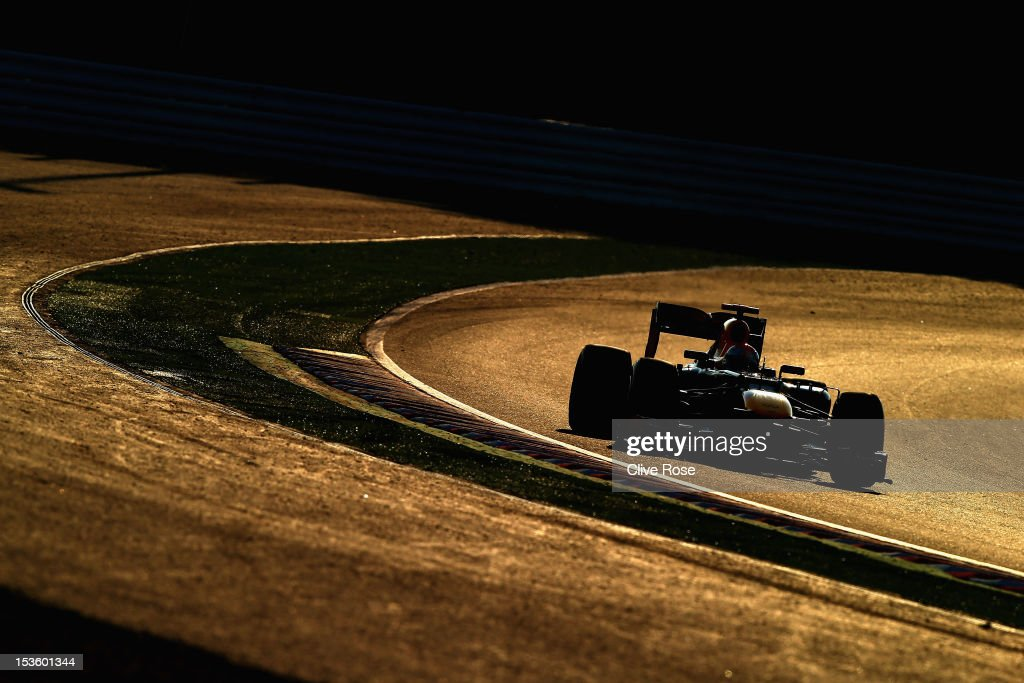 Sebastian Vettel of Germany and Red Bull Racing drives on his way to winning the Japanese Formula One Grand Prix at the Suzuka Circuit on October 7, 2012 in Suzuka, Japan.