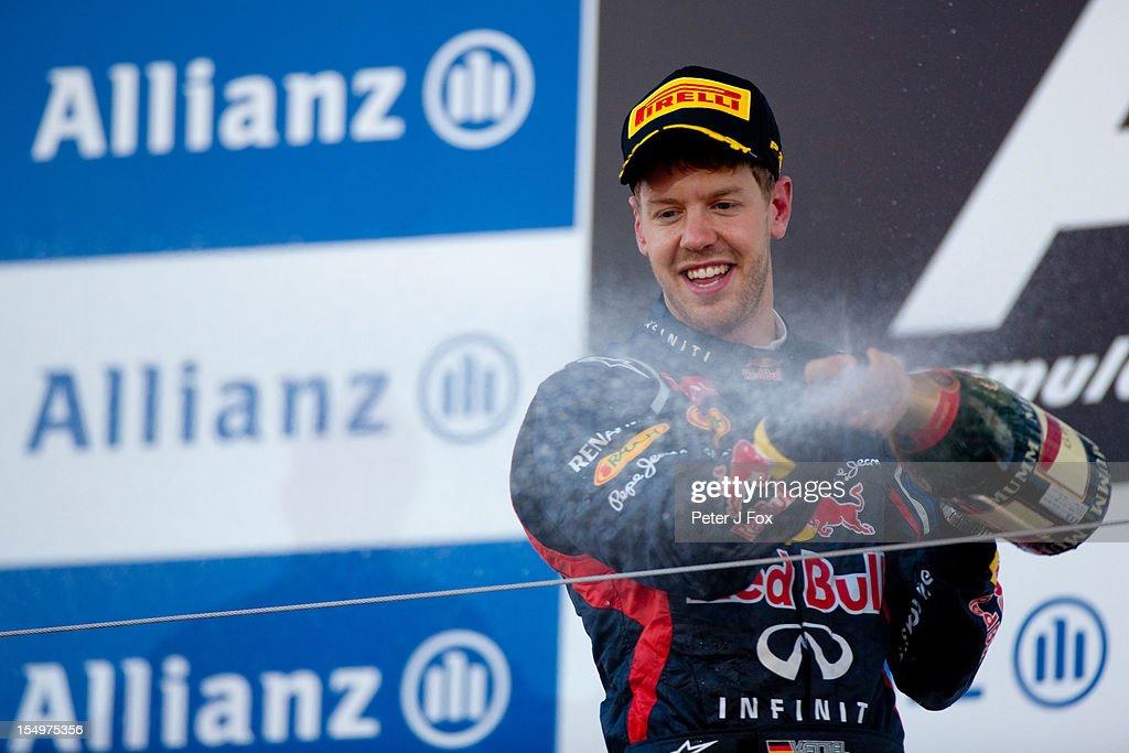 Sebastian Vettel of Red Bull & Germany during the Japanese Formula One Grand Prix at the Suzuka Circuit on October 7, 2012 in Suzuka, Japan.