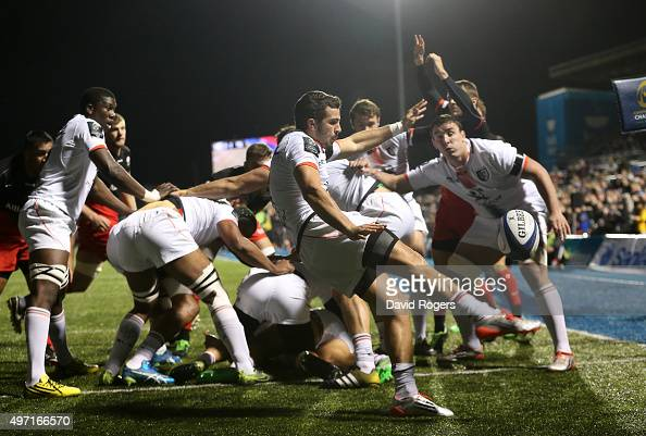 Sebastien Bezy of Toulouse kicks the ball upfield during the European Rugby Champions Cup match between Saracens and Toulouse at Allianz Park on...