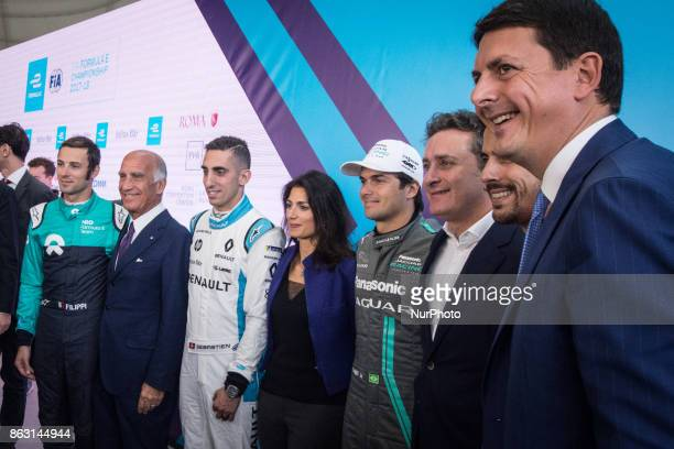 Sebastien Buemi Virginia Raggi Nelson Piquet Alejandro Agag pose during a press conference in Rome Italy on October 19 2017 Rome will be hosting a...