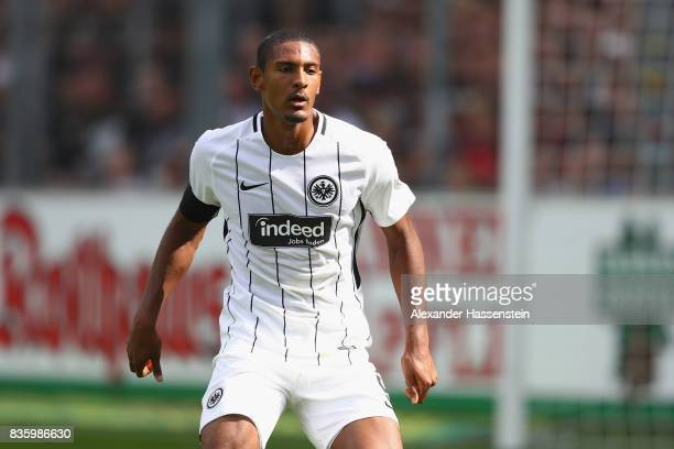 Sebastien Haller of Frankfurt runs with the ball during the Bundesliga match between SportClub Freiburg and Eintracht Frankfurt at SchwarzwaldStadion...