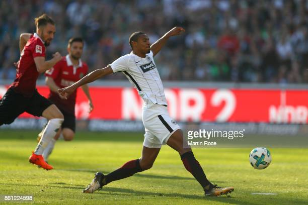Sebastien Haller of Frankfurt scores the opening goal during the Bundesliga match between Hannover 96 and Eintracht Frankfurt at HDIArena on October...
