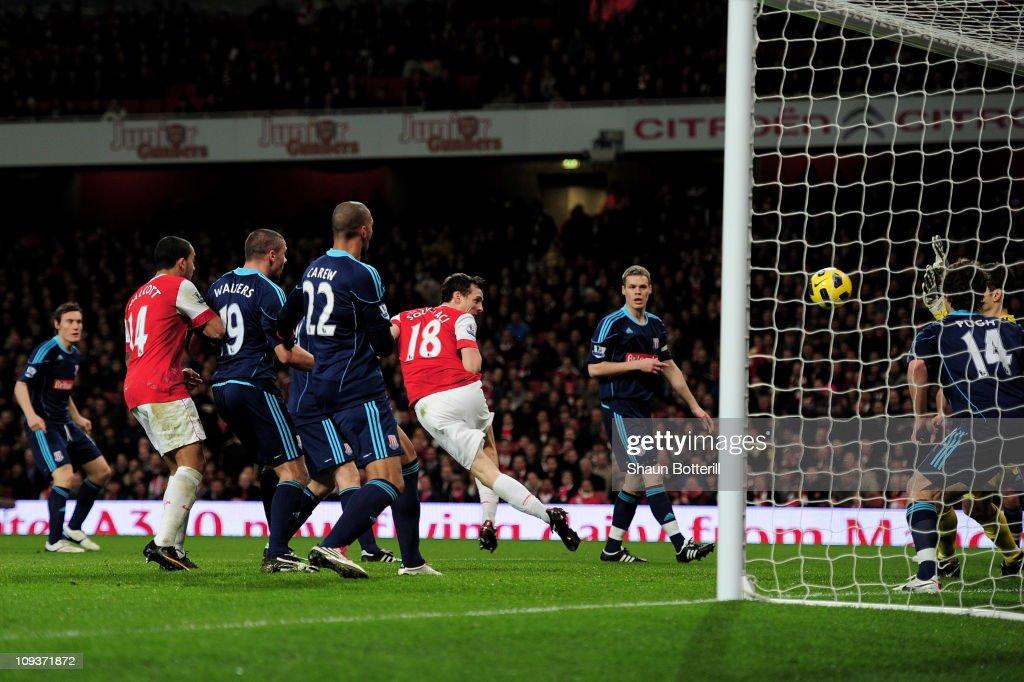 Arsenal v Stoke City - Premier League