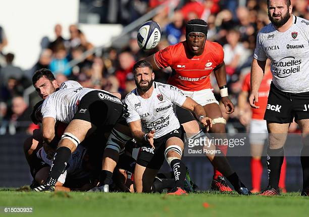 Sebastien TillousBorde of Toulon passes the ball during the European Rugby Champions Cup match between RC Toulon and Saracens at Stade Felix Mayol on...