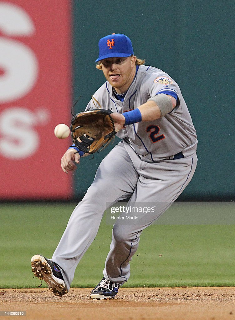 Second baseman <a gi-track='captionPersonalityLinkClicked' href=/galleries/search?phrase=Justin+Turner&family=editorial&specificpeople=550296 ng-click='$event.stopPropagation()'>Justin Turner</a> #2 of the New York Mets fields a ground ball during a game against the Philadelphia Phillies at Citizens Bank Park on May 9, 2012 in Philadelphia, Pennsylvania.