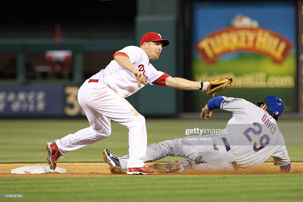 Second baseman <a gi-track='captionPersonalityLinkClicked' href=/galleries/search?phrase=Pete+Orr&family=editorial&specificpeople=643375 ng-click='$event.stopPropagation()'>Pete Orr</a> #4 of the Philadelphia Phillies tags out first baseman <a gi-track='captionPersonalityLinkClicked' href=/galleries/search?phrase=Ike+Davis&family=editorial&specificpeople=2349664 ng-click='$event.stopPropagation()'>Ike Davis</a> #29 of the New York Mets during a game at Citizens Bank Park on May 8, 2012 in Philadelphia, Pennsylvania. The Mets won 7-4.