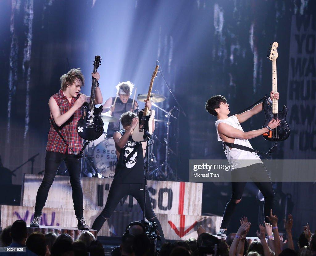 2014 Billboard Music Awards - Fixed Show