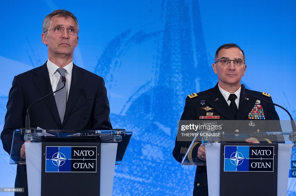 Secretary General Jens Stoltenberg (L) and General Curtis Mike Scaparrotti, the new top commander, give a joint press conference on May 4, 2016, during the change of command ceremony for NATOs Supreme Allied Commander Europe (SACEUR) at Supreme Headquarters Allied Powers Europe (SHAPE), in Mons. / AFP / Thierry Monasse