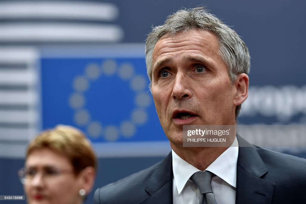 Secretary General Jens Stoltenberg arrives before an EU summit meeting on June 28, 2016 at the European Union headquarters in Brussels. / AFP / PHILIPPE